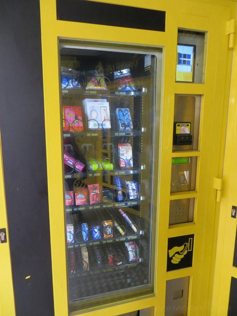24 hour vending machine Valencia